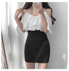 Girls Fashion Clothes, Kpop Fashion Outfits, Korean Outfits, Girl Outfits, Fashion Dresses, Clothes Women, Fashion Pants, Outfits For Teens, Korean Girl Fashion