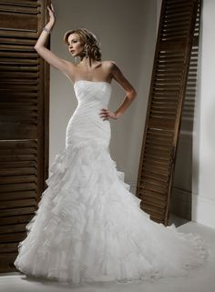 Organza Strapless Fit and Flare A-line Wedding Dress