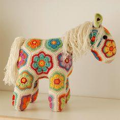 pink reptile designs: Meet Fatty Lumpkin, my new crocheted friend