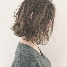HAIR(ヘアー)はスタイリスト・モデルが発信するヘアスタイルを中心に、トレンド情報が集まるサイトです。20万枚以上のヘアスナップから髪型・ヘアアレンジをチェックしたり、ファッション・メイク・ネイル・恋愛の最新まとめが見つかります。 2a Hair, Hair Day, Chic Hairstyles, Permed Hairstyles, Digital Perm Short Hair, Medium Hair Styles, Curly Hair Styles, Korean Short Hair, Hair Arrange