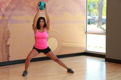 Burn More Calories and Work More Muscles with These Medicine Ball Exercises - Living Healthy Fitness Brand, Health Fitness, Healthy Life, Healthy Living, Weight Loss Workout Plan, Best Gym, Medicine Ball, Stay Fit, Exercises