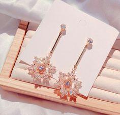 Ear Jewelry, Girls Jewelry, Cute Jewelry, Jewelery, Jewelry Accessories, Jewelry Design, Fancy Jewellery, Fancy Earrings, Stylish Jewelry