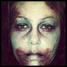 Zombie Halloween makeup Jennifer Thompson MUA Instagram : MrsDagoTee