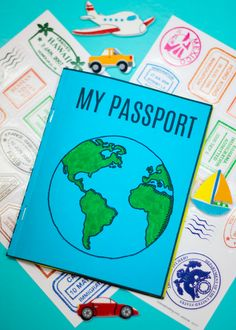 DIY Mini Passport Book + Free Printable Here's a very special Mini Passport Book, which you can print out and assemble with the kids for your learning journey when you travel! Passports For Kids, Little Passports, Passport For Children, Passport Template, Passport Stamps, Around The World Theme, Holidays Around The World, Around The World Crafts For Kids, Learning Activities
