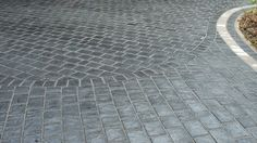 new driveway showing different laying pattern within the paving