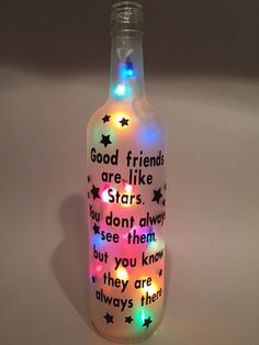 Good Friends Are Like Stars Wine Bottle Light Wine Bottle Gift, Glass Bottle Crafts, Diy Bottle, Bottle Art, Bottle Labels, Painted Wine Bottles, Lighted Wine Bottles, Bottle Lights, Bottles And Jars