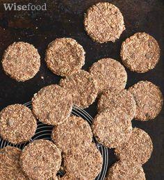 Kiks med kanel og kerner – sprøde og sunde Dog Food Recipes, Cake Recipes, Healthy Recipes, Home Bakery, Diabetic Desserts, Crackers, Love Food, Detox, Lunch Box