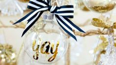 Looking for some inexpensive DIY ornaments for your Christmas tree? Take a peek at my favorite list of easy DIY Christmas tree ornaments and be inspired!