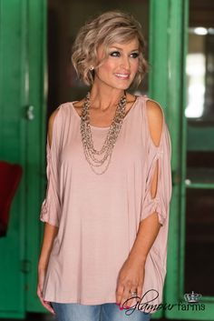 Best Outfits For Women Over 50 - Fashion Trends 60 Fashion, Over 50 Womens Fashion, Fashion Over 40, Pink Fashion, Autumn Fashion, Fashion Outfits, Fashion Trends, Fashion Women, Estilo Casual Chic