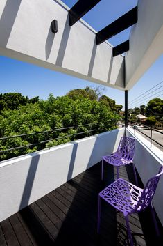 This modern balcony features a black stained timber deck with black stained beams overhead, and a custom steel detailed balustrade. Sustainable Architecture, Residential Architecture, Interior Architecture, Architecture Layout, Drawing Architecture, Victorian Architecture, Architecture Student, Futuristic Architecture, Contemporary Architecture