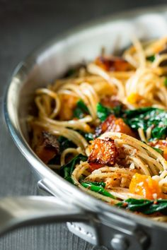 Pumpkin, spinach and walnut spaghetti - Lazy Cat Kitchen This simple pumpkin, spinach and walnut spaghetti makes an ideal mid-week dinner. It's light, quick to prepare and tastes delicious. Lunch Recipes, Pasta Recipes, Vegetarian Recipes, Cooking Recipes, Healthy Recipes, Rice Recipes, Pumpkin Pasta, Vegan Pumpkin, Pumpkin Recipes