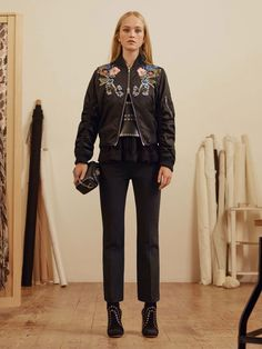 See the complete Alexander McQueen Pre-Fall 2017 collection.