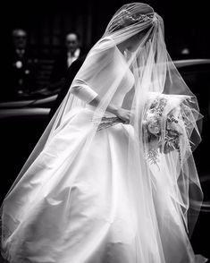 We love a touch of classic old-school bridal Wedding Dress Trends, Dream Wedding Dresses, Wedding Gowns, Wedding Dress With Pockets, Backless Wedding, Modest Wedding, Bridal Style, Wedding Bride, Bridal Gowns