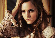 Emma Watson : エマ・ワトソン ヘアアレンジ動画   ヘアレシピ【頭美人】