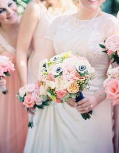 Romantic St. Louis Wedding with Pops of Pink (via Bloglovin.com )