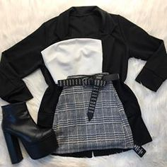 A cool outfit for the cold days Girls Fashion Clothes, Teen Fashion Outfits, Edgy Outfits, Swag Outfits, Korean Outfits, Retro Outfits, Vetements Shoes, Cute Comfy Outfits, Really Cute Outfits