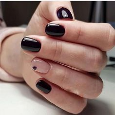 Looking for easy nail art ideas for short nails? Look no further here are are quick and easy nail art ideas for short nails. Square Nail Designs, Black Nail Designs, Best Nail Art Designs, Short Nail Designs, Simple Nail Designs, Short Gel Nails, Black Nails Short, Short Nails Art, Short Square Nails