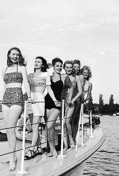 OK sportswear beach summer bathing suit bikini shorts boating girls women… Vintage Glamour, Vintage Girls, Vintage Beauty, Vintage Outfits, 1940s Fashion, Vintage Fashion, Trendy Fashion, Fashion Women, High Fashion