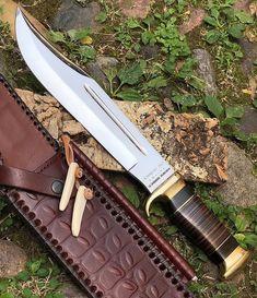 Bushcraft Camping, Camping Survival, Camping Hacks, Cool Knives, Knives And Tools, Knives And Swords, Ontario Knife, Crocodile Dundee, Armas Ninja