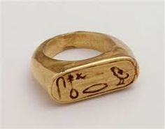 """gemma-antiqua: """"Ancient Egyptian gold ring, dating to the Nineteenth Dynasty, or to c. 1292 to 1187 BCE. Sea Glass Jewelry, Jewelry Art, Gold Jewelry, Jewelry Rings, Jewelery, Antique Rings, Antique Jewelry, Viking Jewelry, Ancient Egyptian Jewelry"""