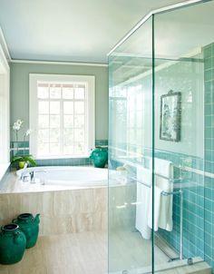 House of Turquoise:bathroom Like the floors and the shower House Of Turquoise, Classic Bathroom, Simple Bathroom, Bathroom Ideas, Bathroom Interior, Modern Bathroom, Turquoise Bathroom, Turquoise Tile, Beige Bathroom