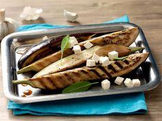 Munakoiso muistuttaa rakenteeltaan lihaa ja sopii siksi loistavasti grillattavaksi. Tarjoa grillattuja munakoisoja lihan lisäkkeenä tai kasvisruokailijalle sellaisenaan.