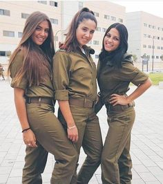 Military Women, Military Jacket, Israeli Female Soldiers, Israeli Girls, Idf Women, Brave Women, Girls Uniforms, Girls Rules, Sexy