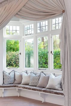Does you bay window need curtains? It can be difficult to decide which window treatment is just right for your bay window. When it comes to bay window curtains, there are many fabric and decorating options to choose from. Bay Window Curtains Living Room, Window Seat Curtains, Living Room Windows, Drapes Curtains, Bedroom Curtains, Hanging Curtains, Bay Window Blinds, Curtains For Bay Windows, Burlap Curtains
