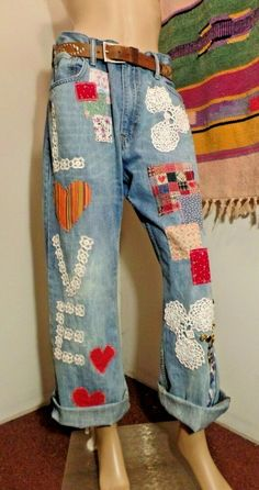 These are a pair of Levi's These are nice and baggy and have wide legs. Sewing Clothes, Diy Clothes, Denim Fashion, Boho Fashion, Hippie Jeans, Boho Hippie, Hippie Style Clothing, Retro Clothing, Stylish Older Women