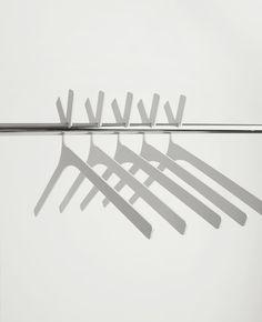 Hanger Doe – minimalistic design for storage items   storage . Aufbewahrung . rangement   Design: Vasiliy Butenko  