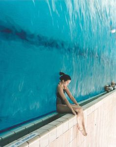 This is what the Pool at the Afrique looks like.  Besides being vertical, humans can breathe the Relicked water.