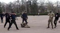 Ukrainian far-right groups clash with police during WWII commemoration (VIDEO) http://ift.tt/1qiDGmy   The Ukrainian city of Odessa saw dozens of far-right activists clash with police near the House of the Trade Unions on Odessa Liberation Day April 10. The hooded activists were trying to disrupt a memorial gathering.Read Full Article at RT.com Source : Ukrainian far-right groups clash with police during WWII commemoration (VIDEO)  The post Ukrainian far-right groups clash with police during…
