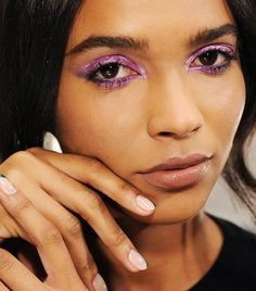 purple-eye-shadow-80s-makeup-trends