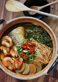 Maeuntang 매운탕 Spicy Fish Soup