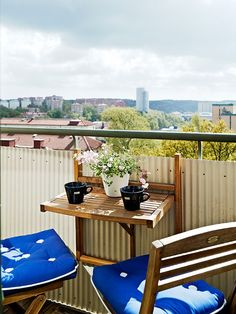 45 Cool Small Balcony Design Ideas | DigsDigs- pop up TV tray style table