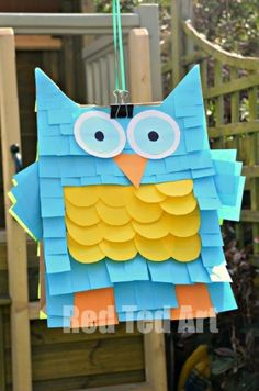 This is the EASIEST PINATA ever. I am sharing an Owl Pinata, a Monster Pinata and a Lion Pinata. All you really need are some Post-its, a brown paper bag and a glue stick!