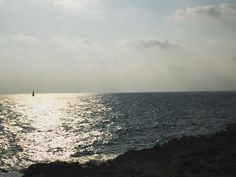 """""""ทะเลยอมตองมคลนลม เราควบคมลมไมได แตเราสรางใบเรอเพอใชประโยชนจากลมได"""" #coast #viewpoint #skyline #sea #sun #sky  #naturelover #naturetherapy #Vitaminsea #rsa_nature #nature_perfection #sailboat #sunshine #thaitourism #travelinthailand #insta_thailand #instatrave #instagram  #thaigram  #travelgram #200359 #rayong #thailand #LengNatureAddict by dragonthailand"""