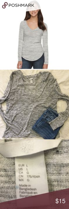 H&M long sleeved gray and white top L Solids: polyester, rayon, spandex Textured: rayon, polyester, spandex Machine wash Imported H&M Tops Tees - Long Sleeve