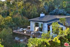 UPDATE: Cindy Crawford Sells Malibu Home for More Than Twice What She Paid for It | Zillow Blog