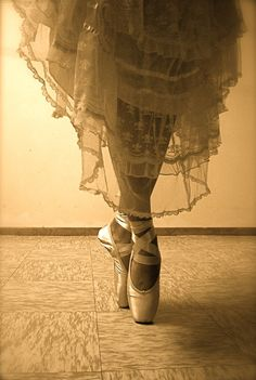 Pointe V  by ~museikalartizt - love the lace skirting!
