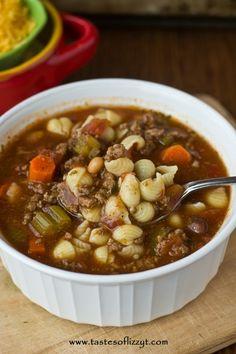 Pasta e Fagioli Italian Soup {Slow Cooker}