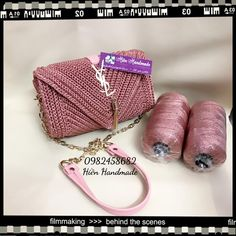 Discover thousands of images about Nga Kiều This Pin was discovered by vou Discover thousands of images about Ganchillo hecho a mano hermoso bolso de satchel regalo para Bobble Stitch Handbag Crochet Pattern with Video Tutorial DIY Tutorial - Crochet Ea Crochet Clutch Bags, Bag Crochet, Crochet Motifs, Crochet Handbags, Crochet Purses, Crochet Stitches, Crochet Patterns, Macrame Bag, Tapestry Crochet