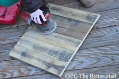 DIY: Pallets 101 - everything you need to know about pallets, including where to find them, how to deconstruct, prep, paint & reuse. She also includes a tutorial on how to make & paint a sign.
