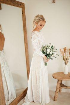 http://lovellywedding.com/2017/11/13/60-totally-adorable-long-sleeve-winter-wedding-dress-ideas-every-women-want/