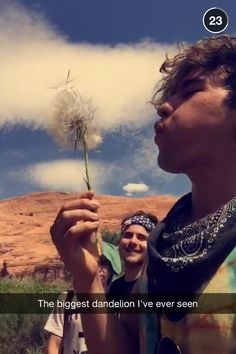 . Kian Lawley, Jc Caylen, Popular People, O2l, Easy Drawings, Drawing S, Youtubers, I Laughed, Hot Guys