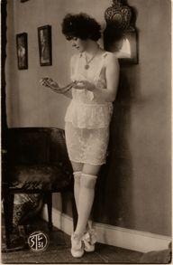 vintage photo  1920