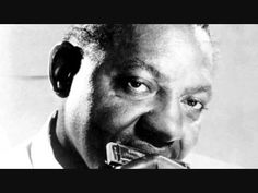 Sonny Boy Williamson - Fattening Frogs For Snakes