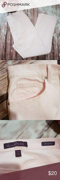 "Gloria Vanderbilt Amanda Jeans Pink Amanda Jeans with slight stretch. Inseam - 31"", W - 17"" flat , rise - 12.5"". Excellent Condition. Gloria Vanderbilt Pants Trousers"