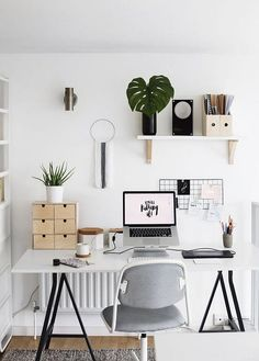 30+ Modern Home Office Decor Ideas With Small Plants