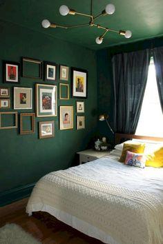40 Beauty Green Bedroom Design Decor Ideas - Page 26 of 42 Green Bedroom Design, Green Bedroom Walls, Bedroom Wall Colors, Green Rooms, Home Decor Bedroom, Bedroom Furniture, Bedroom Ideas, Ikea Bedroom, Bedroom Inspiration